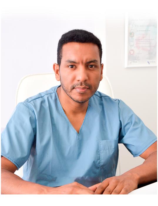 Dr. Antonio Arévalo